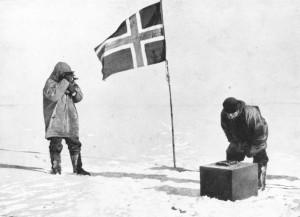 Llegada al Polo Sur geográfico de la expedición de Roald Admunsen (www.thepolestation.com)