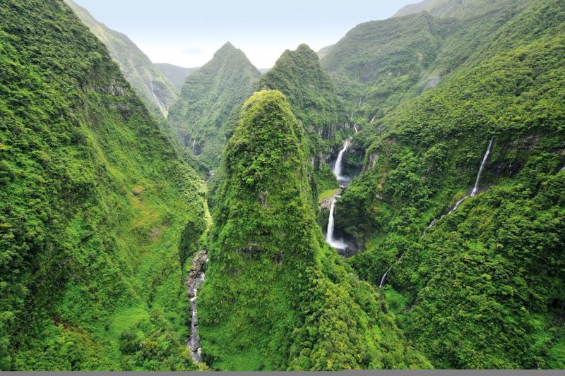 Cascada de Takamaka. Fte: http://france.fr/